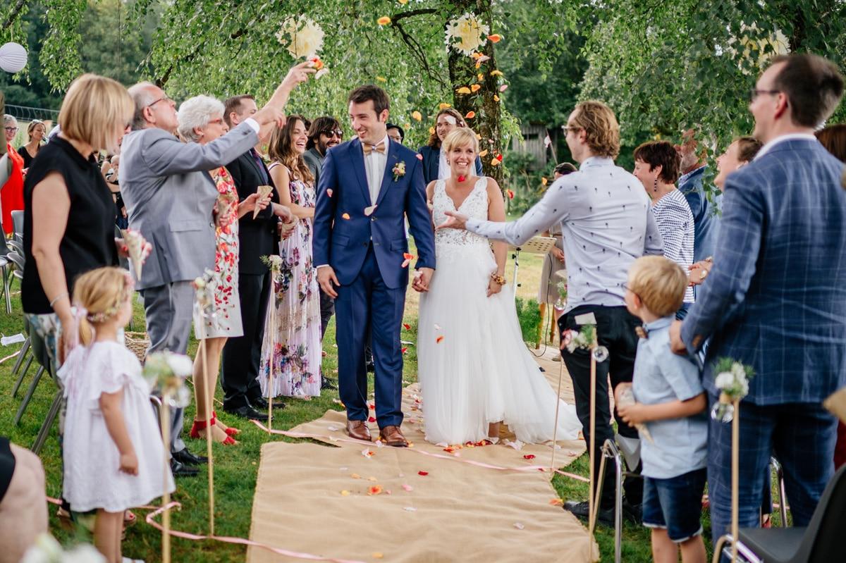 Auszug des Brautpaares am Ende der Trauung