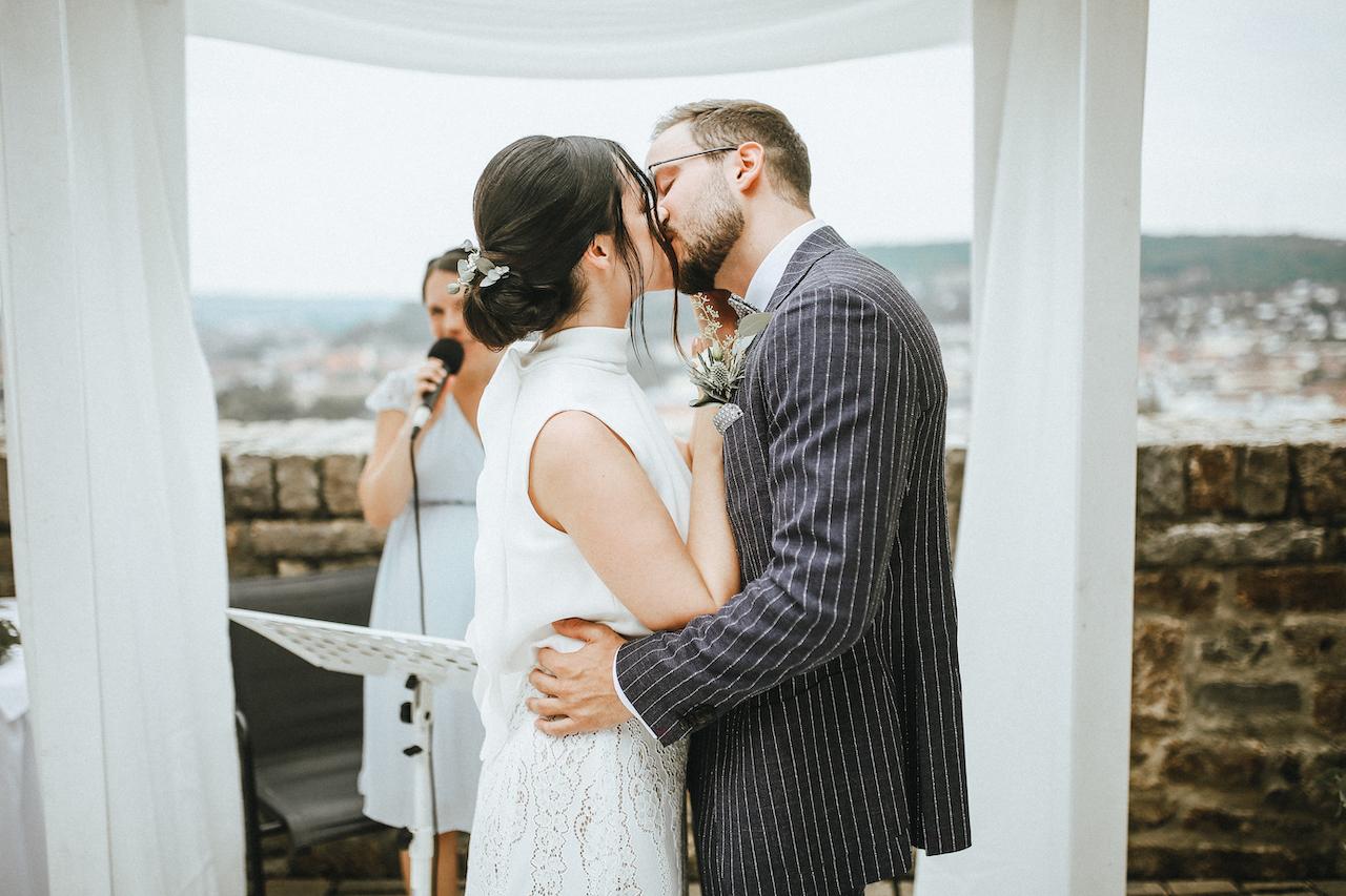 Kuss Hochzeitszeremonie