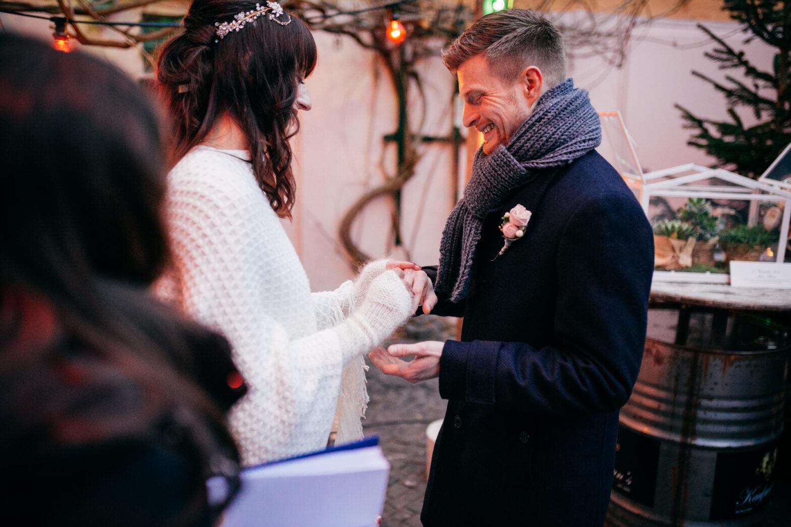 Wie schreibe ich ein persönliches Eheversprechen