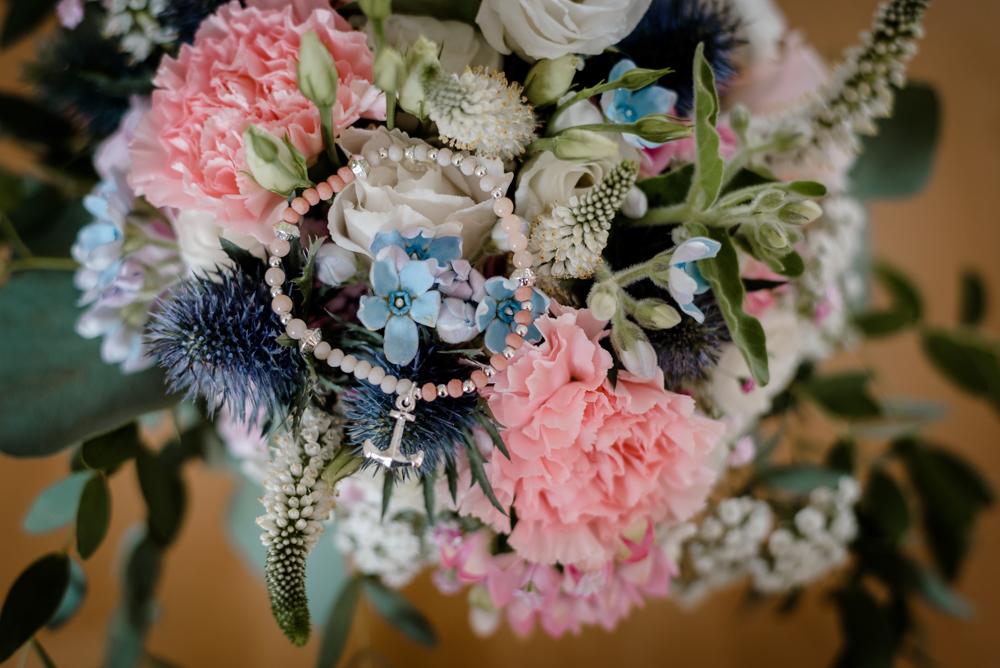 Brautstrauß mit Anker rosa blau