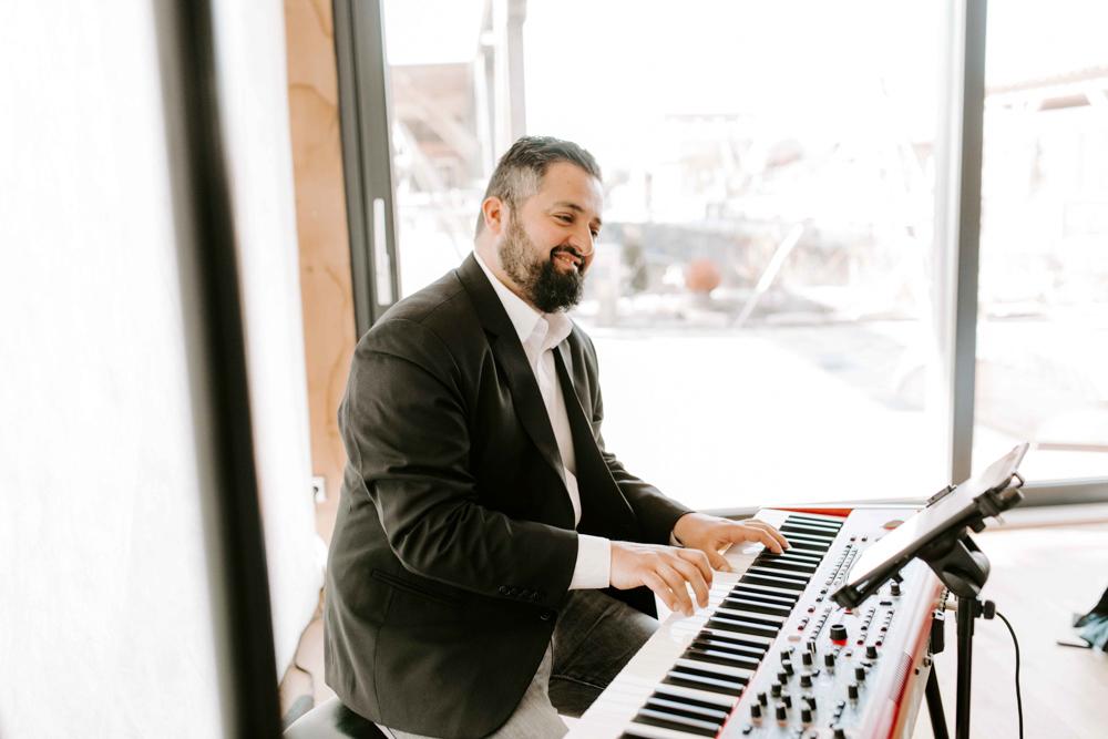 Pianist Enzo Aprile